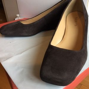 TALBOT'S CHOCOLATE BROWN SUEDE WEDGE HEEL SIZE 9